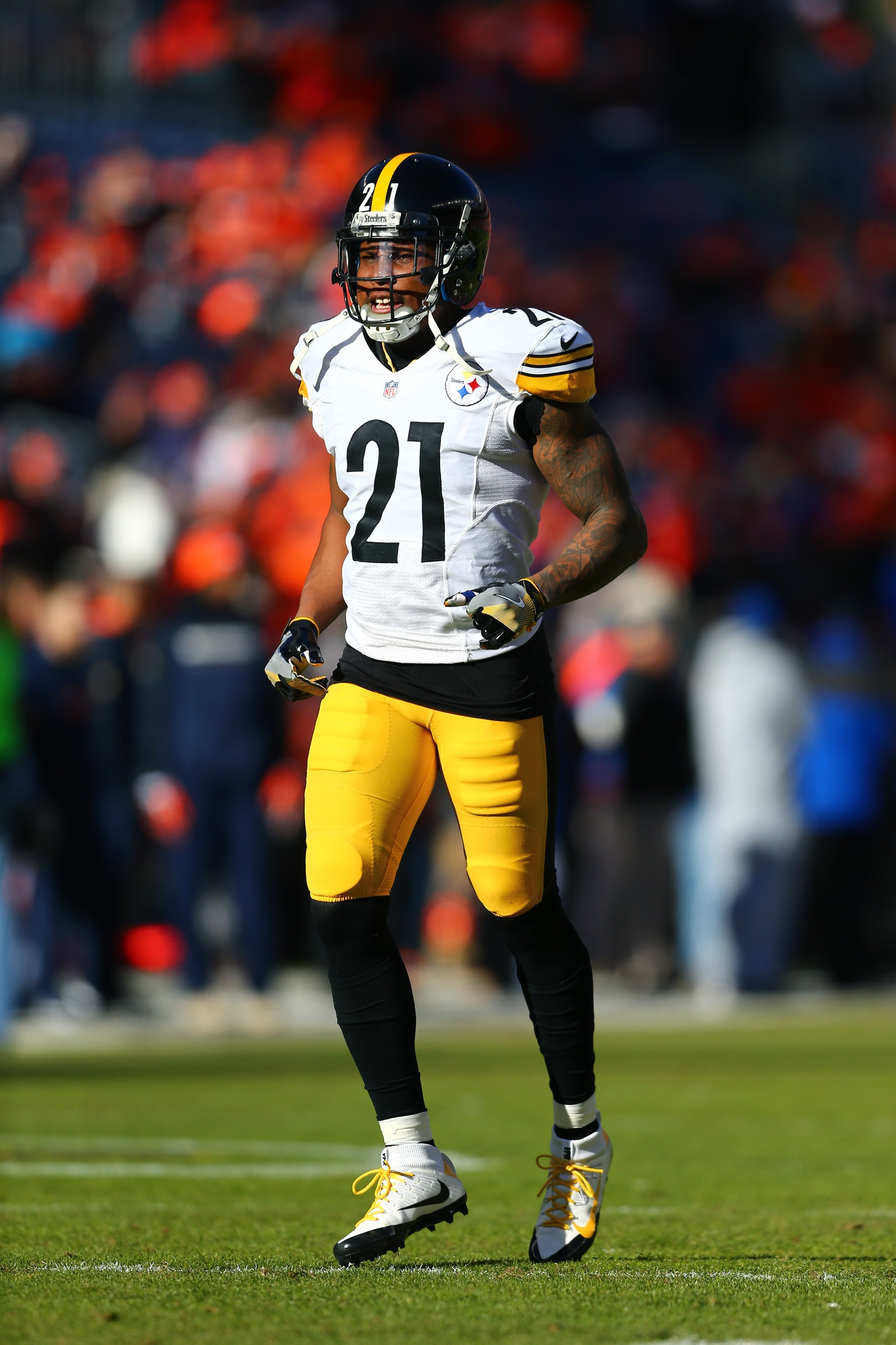Steelers to re sign robert golden for Mitchell s fish market pittsburgh